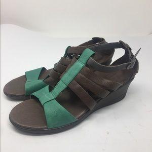 KEEN Strappy Victoria Brown Wedge Sandals SZ 10.5